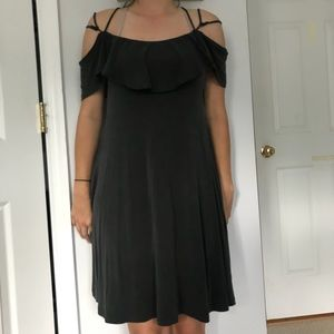 Dresses & Skirts - Off the shoulder cross cross dress